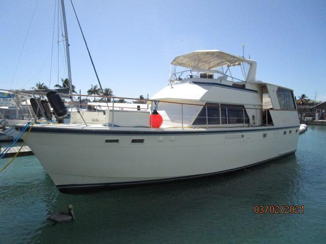 48' Hatteras port forward profile1