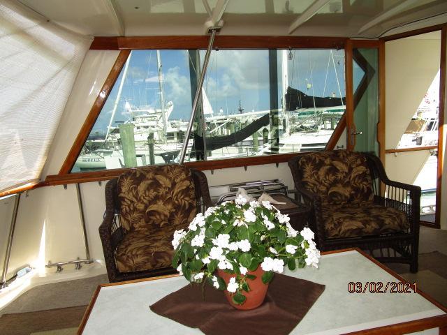 48' Hatteras sundeck port