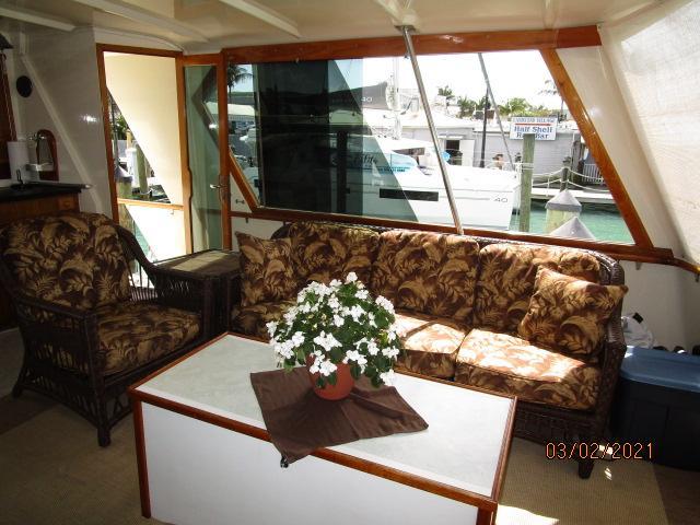 48' Hatteras sundeck starboard
