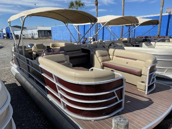 2019 Sweetwater boat for sale, model of the boat is 2286 & Image # 1 of 9