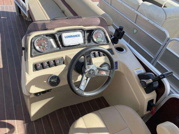 2019 Sweetwater boat for sale, model of the boat is 2286 & Image # 4 of 9