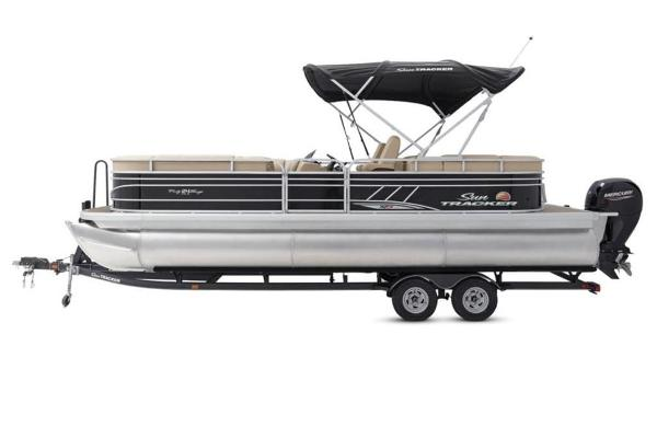2021 Sun Tracker boat for sale, model of the boat is PARTY BARGE® 24 XP3 & Image # 5 of 31