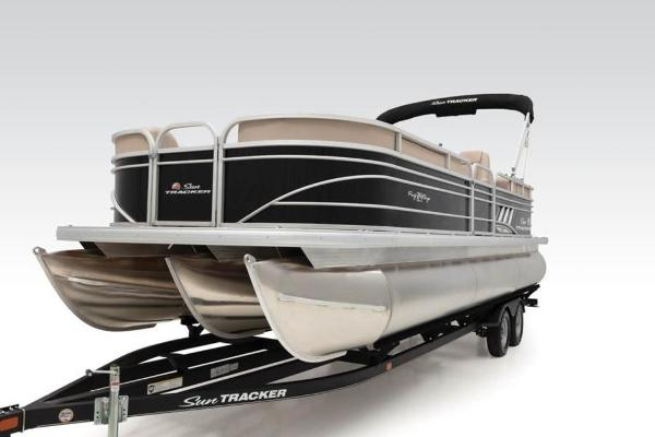2021 Sun Tracker boat for sale, model of the boat is PARTY BARGE® 24 XP3 & Image # 10 of 31