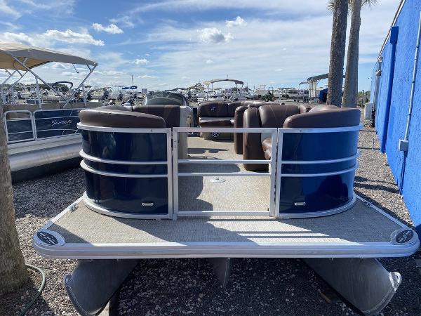 2017 Starcraft boat for sale, model of the boat is C23 & Image # 2 of 9