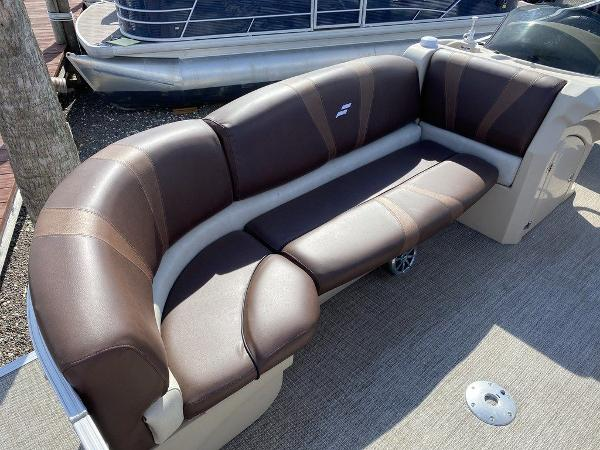 2017 Starcraft boat for sale, model of the boat is C23 & Image # 3 of 9