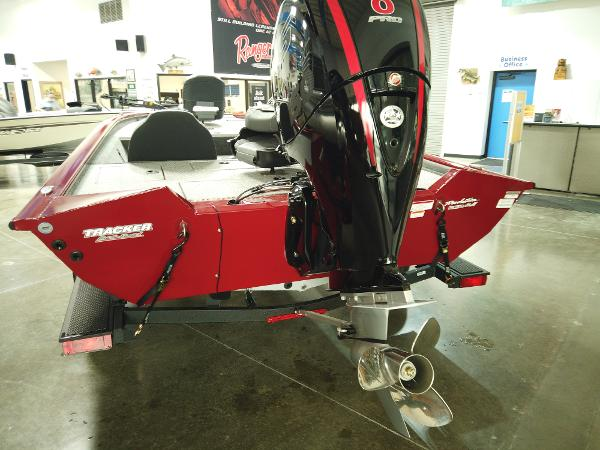 2021 Tracker Boats boat for sale, model of the boat is Pro Team 195 TXW & Image # 3 of 12
