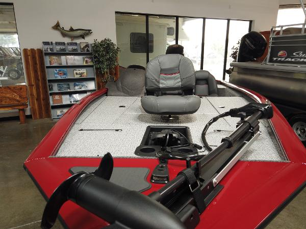 2021 Tracker Boats boat for sale, model of the boat is Pro Team 195 TXW & Image # 5 of 12
