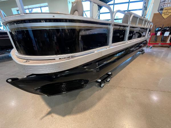 2021 Ranger Boats boat for sale, model of the boat is 200F & Image # 5 of 49
