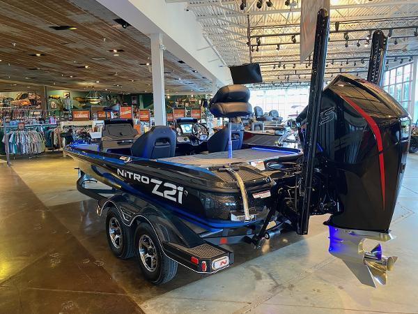 2021 Nitro boat for sale, model of the boat is Z21 & Image # 5 of 38