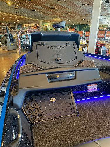 2021 Nitro boat for sale, model of the boat is Z21 & Image # 16 of 38