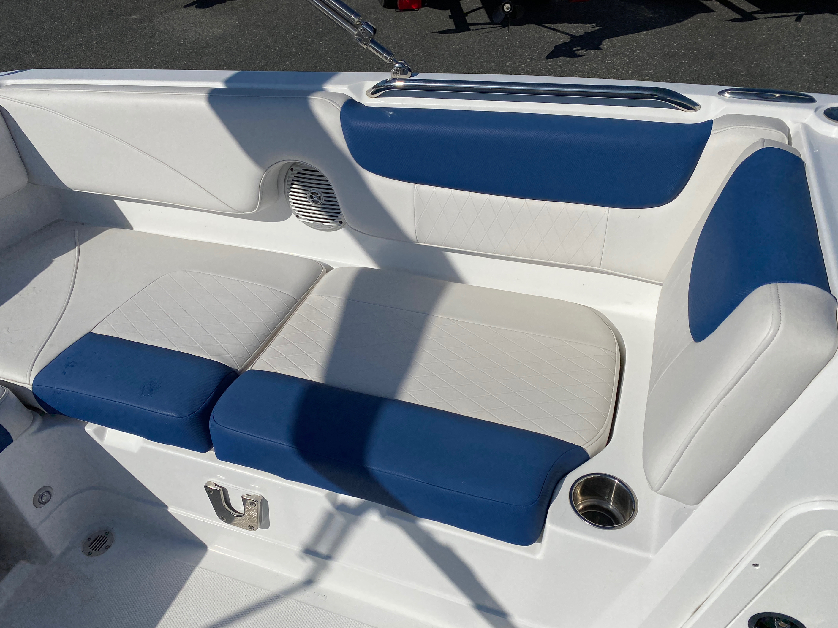 2017 Tahoe boat for sale, model of the boat is 2150 & Image # 3 of 12