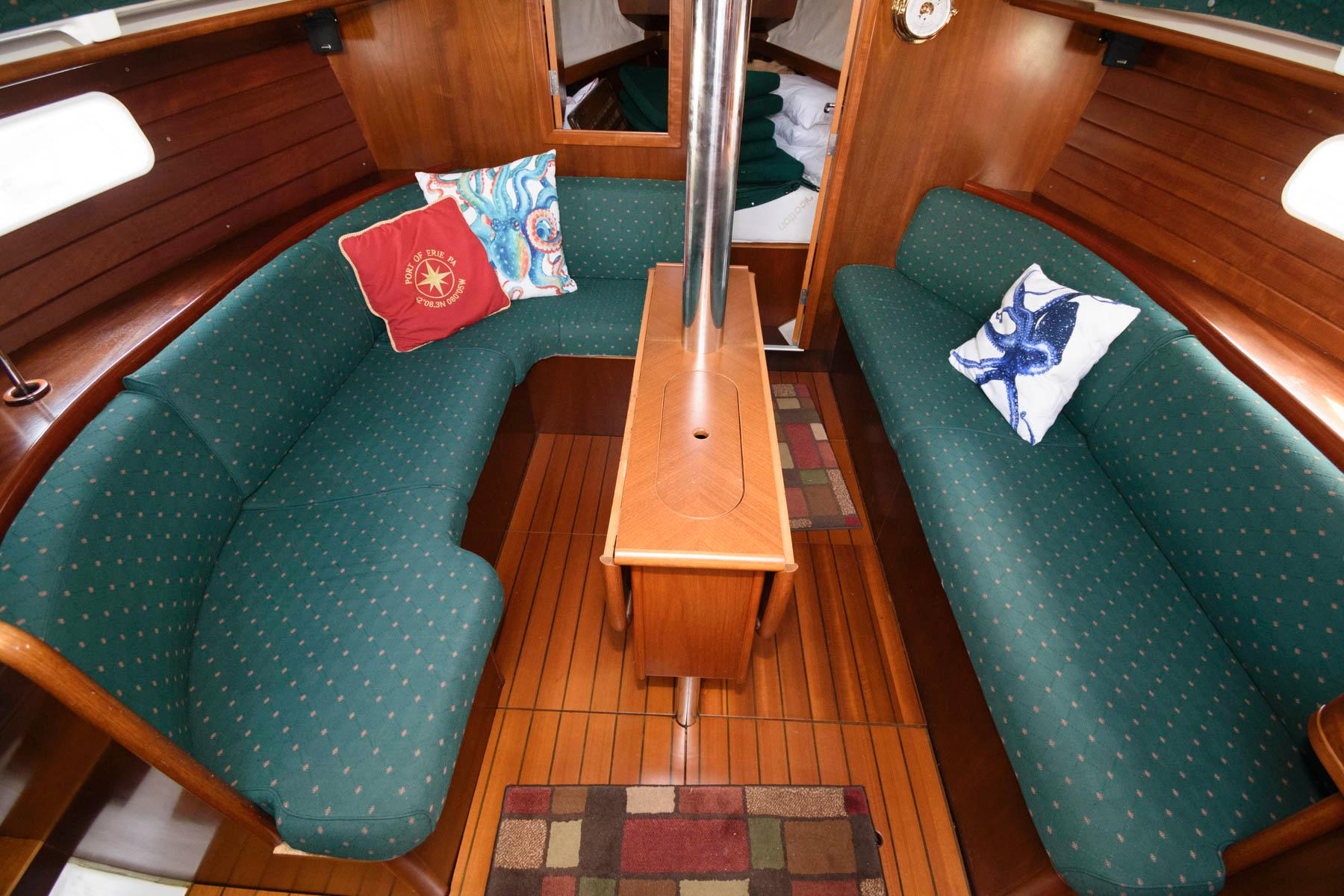 O 6601 HG Knot 10 Yacht Sales