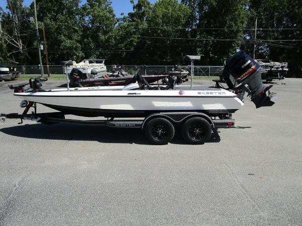 2021 Skeeter boat for sale, model of the boat is ZXR 20 & Image # 5 of 31