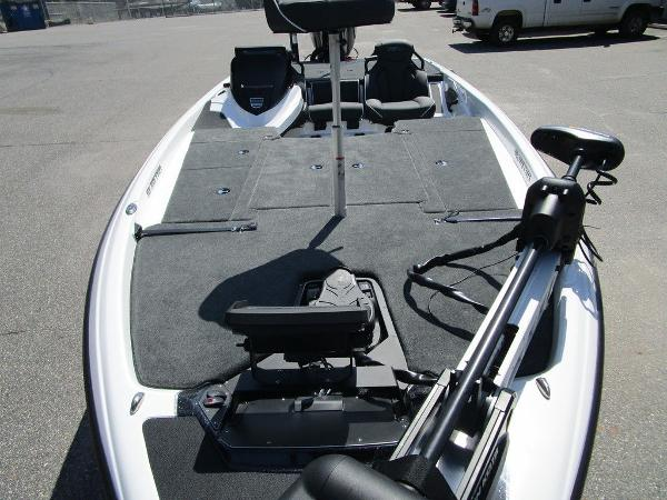 2021 Skeeter boat for sale, model of the boat is ZXR 20 & Image # 15 of 31