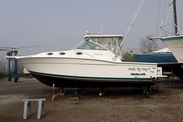 1998 WELLCRAFT Coastal 3300