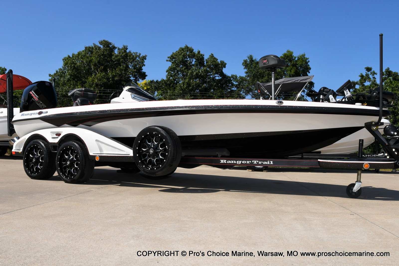 2019 Ranger Boats boat for sale, model of the boat is Z521C Ranger Cup Equipped & Image # 2 of 50