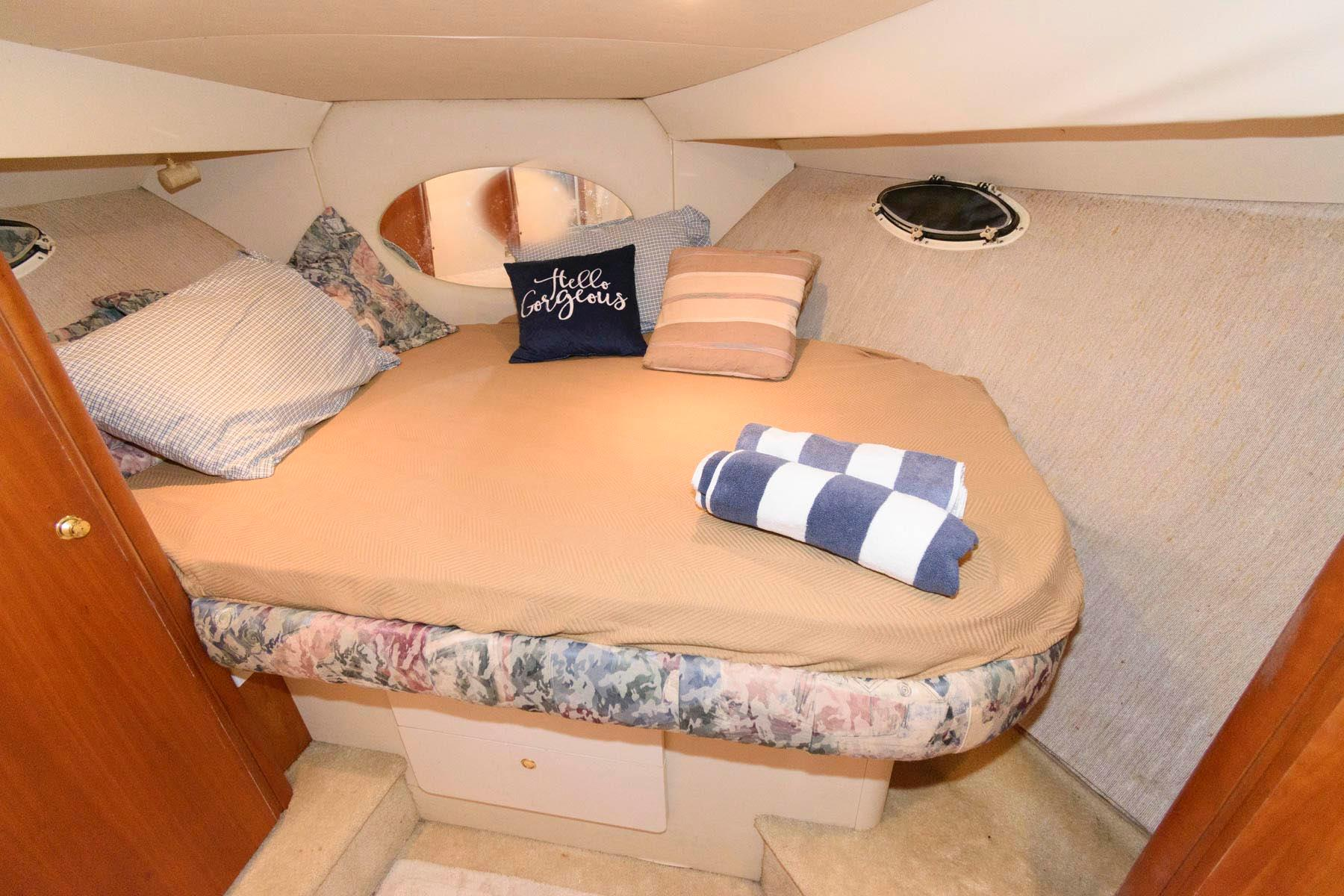 M 6580 RD Knot 10 Yacht Sales