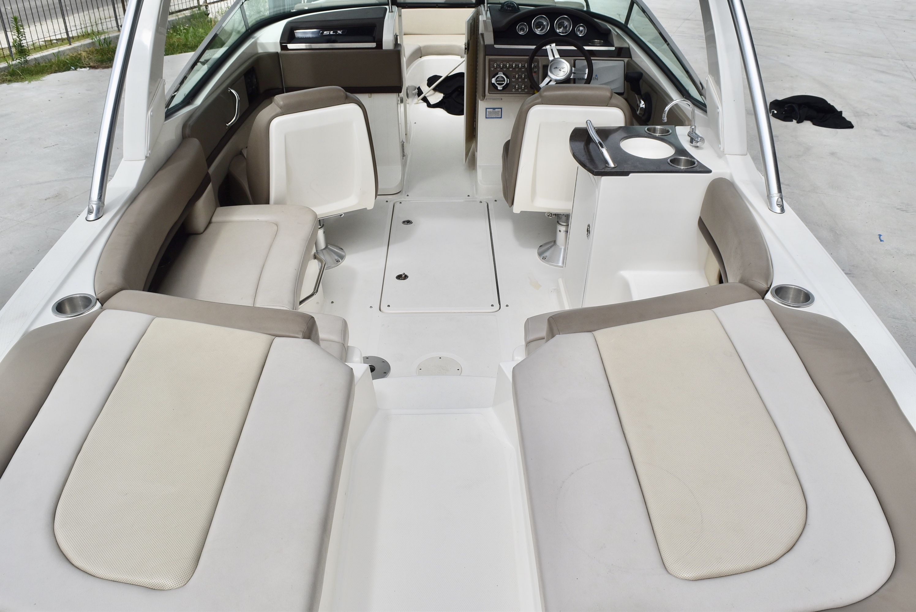 2013 Sea Ray boat for sale, model of the boat is 250 & Image # 9 of 10