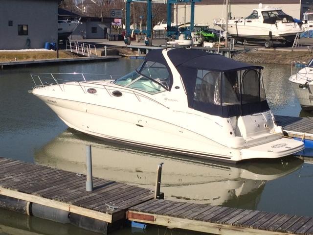 NY 5985 KM Knot 10 Yacht Sales
