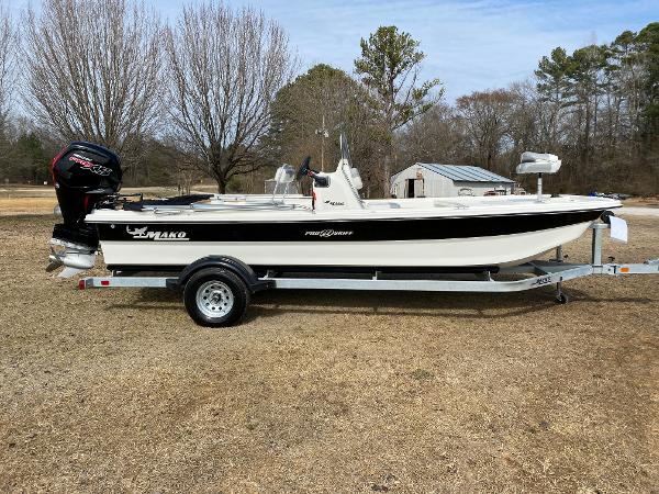 2021 Mako boat for sale, model of the boat is Pro Skiff 19 CC & Image # 1 of 17