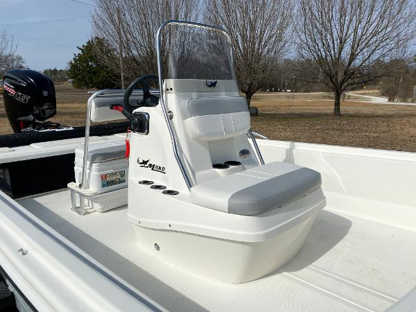 2021 Mako boat for sale, model of the boat is Pro Skiff 19 CC & Image # 7 of 17