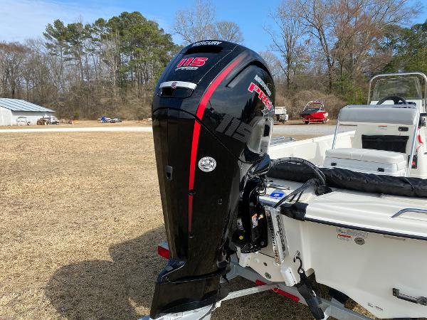 2021 Mako boat for sale, model of the boat is Pro Skiff 19 CC & Image # 10 of 17