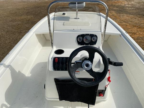 2021 Mako boat for sale, model of the boat is Pro Skiff 19 CC & Image # 11 of 17
