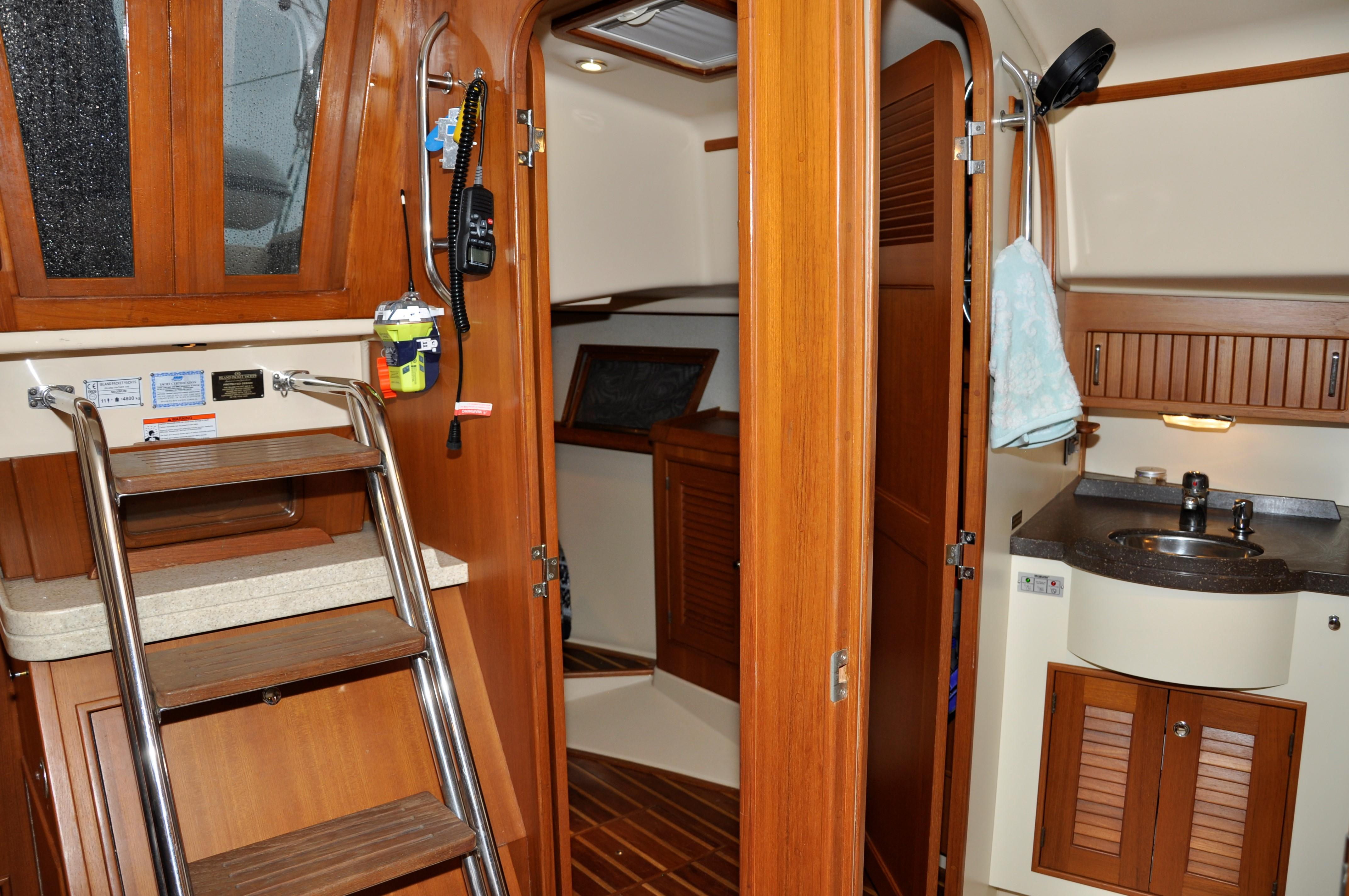 COMPANIONWAY AND AFT CABIN. HEAD