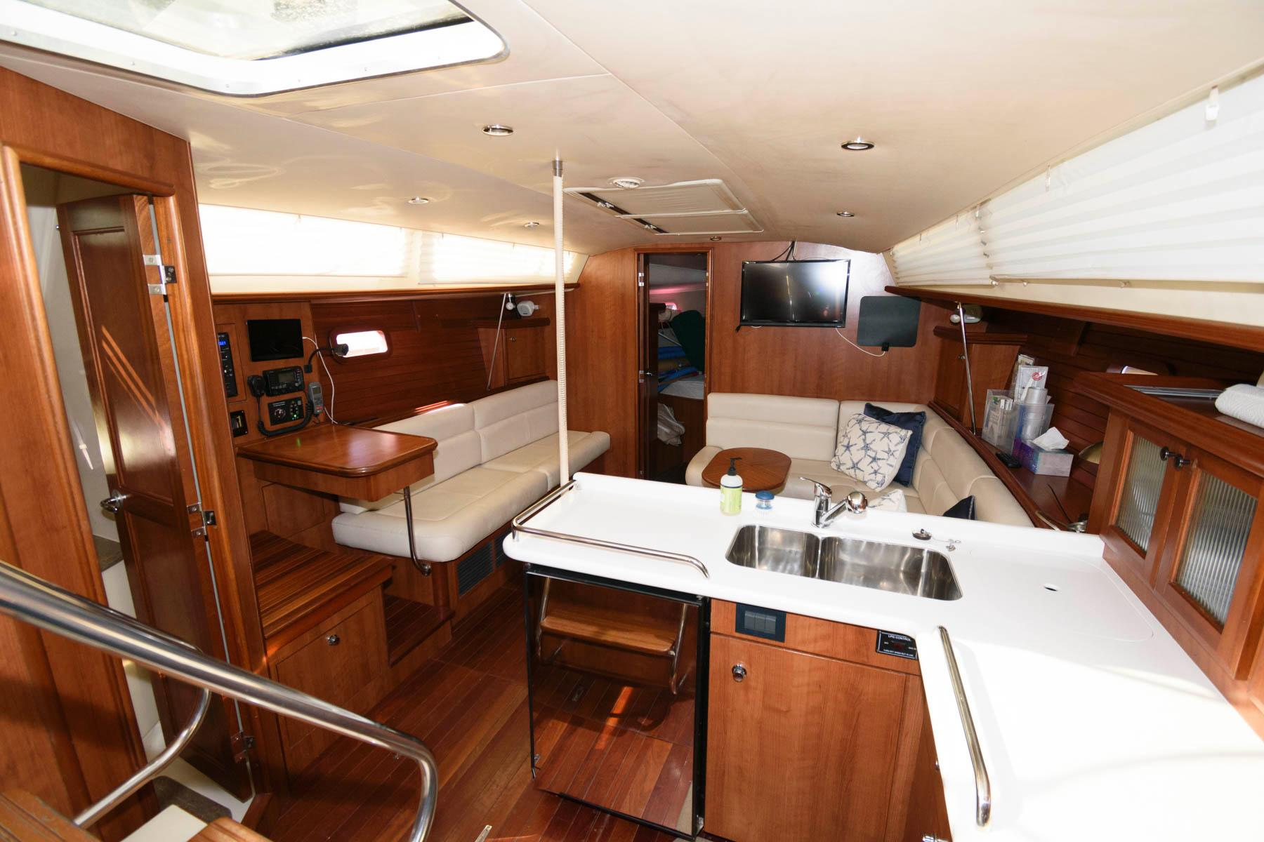 M 6209 SK Knot 10 Yacht Sales