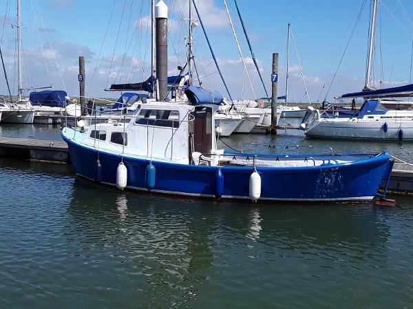 Viking_Marine_Converted_Lifeboat