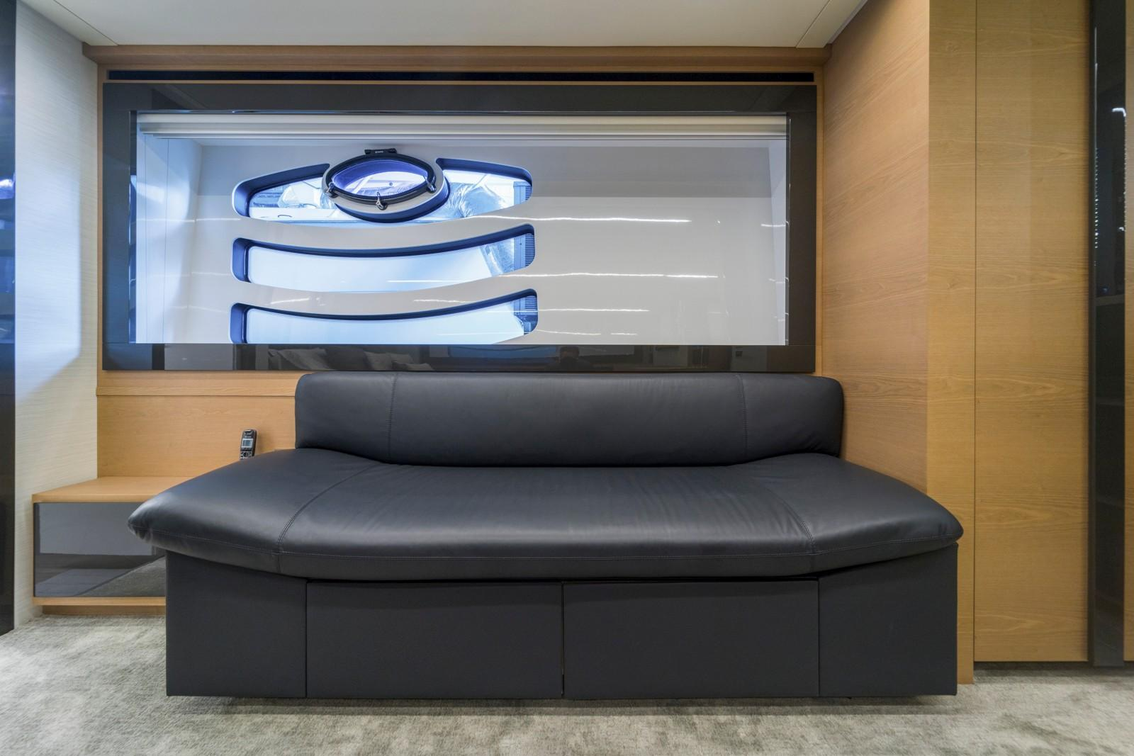 2015 Pershing 70- Master Couch