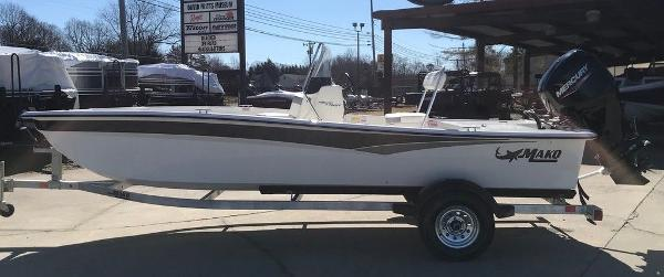 2021 Mako boat for sale, model of the boat is Pro Skiff 17 CC & Image # 1 of 18