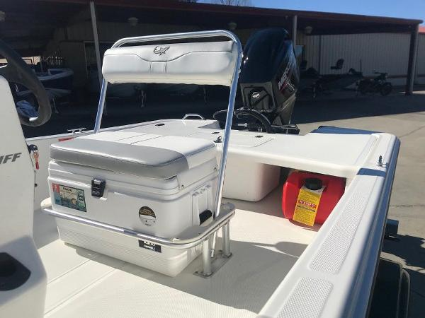 2021 Mako boat for sale, model of the boat is Pro Skiff 17 CC & Image # 4 of 18
