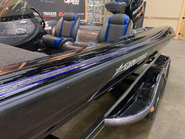 2016 Stratos boat for sale, model of the boat is 201 XL Evolution & Image # 8 of 13