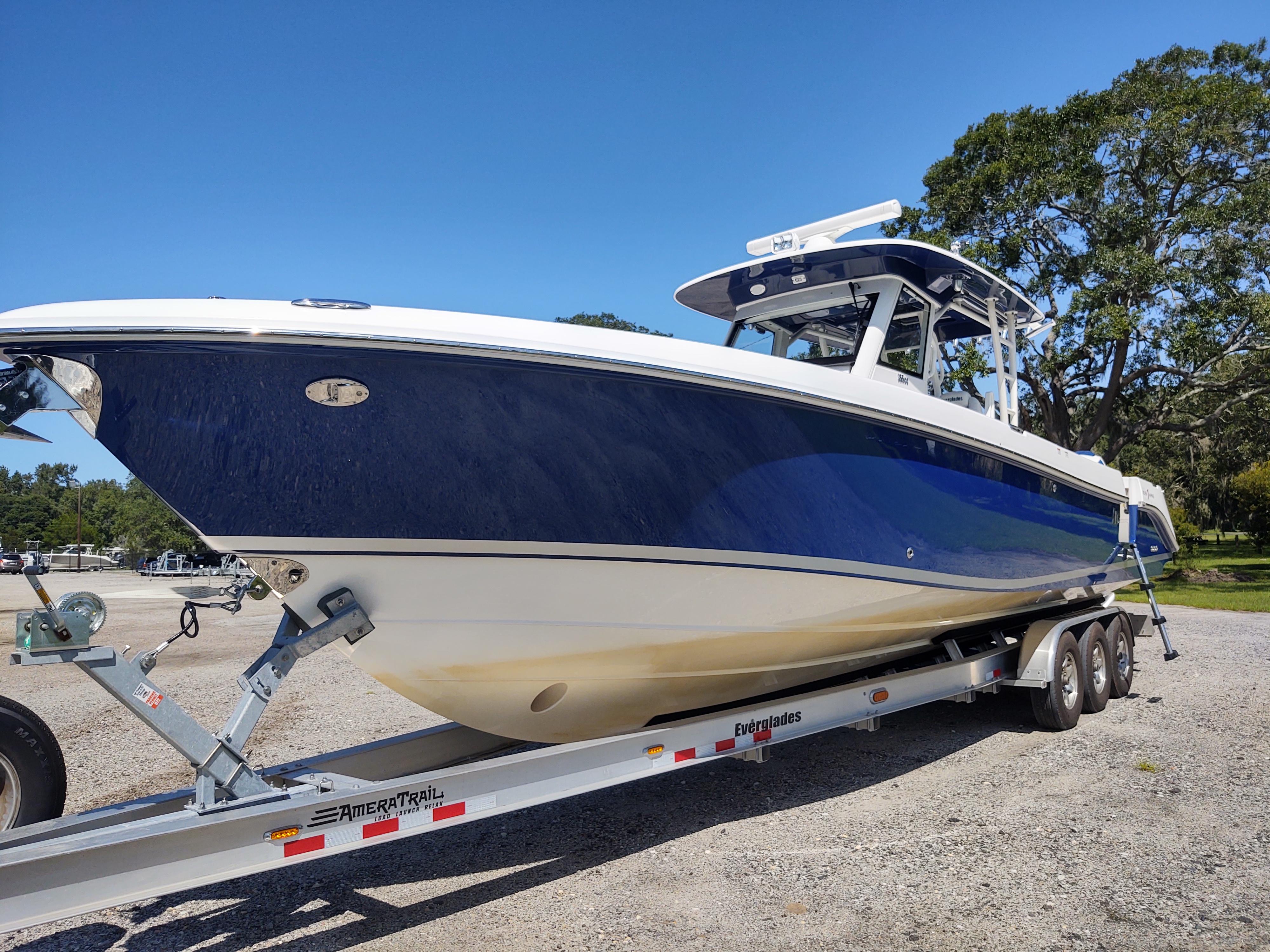 2017 Everglades 355CC