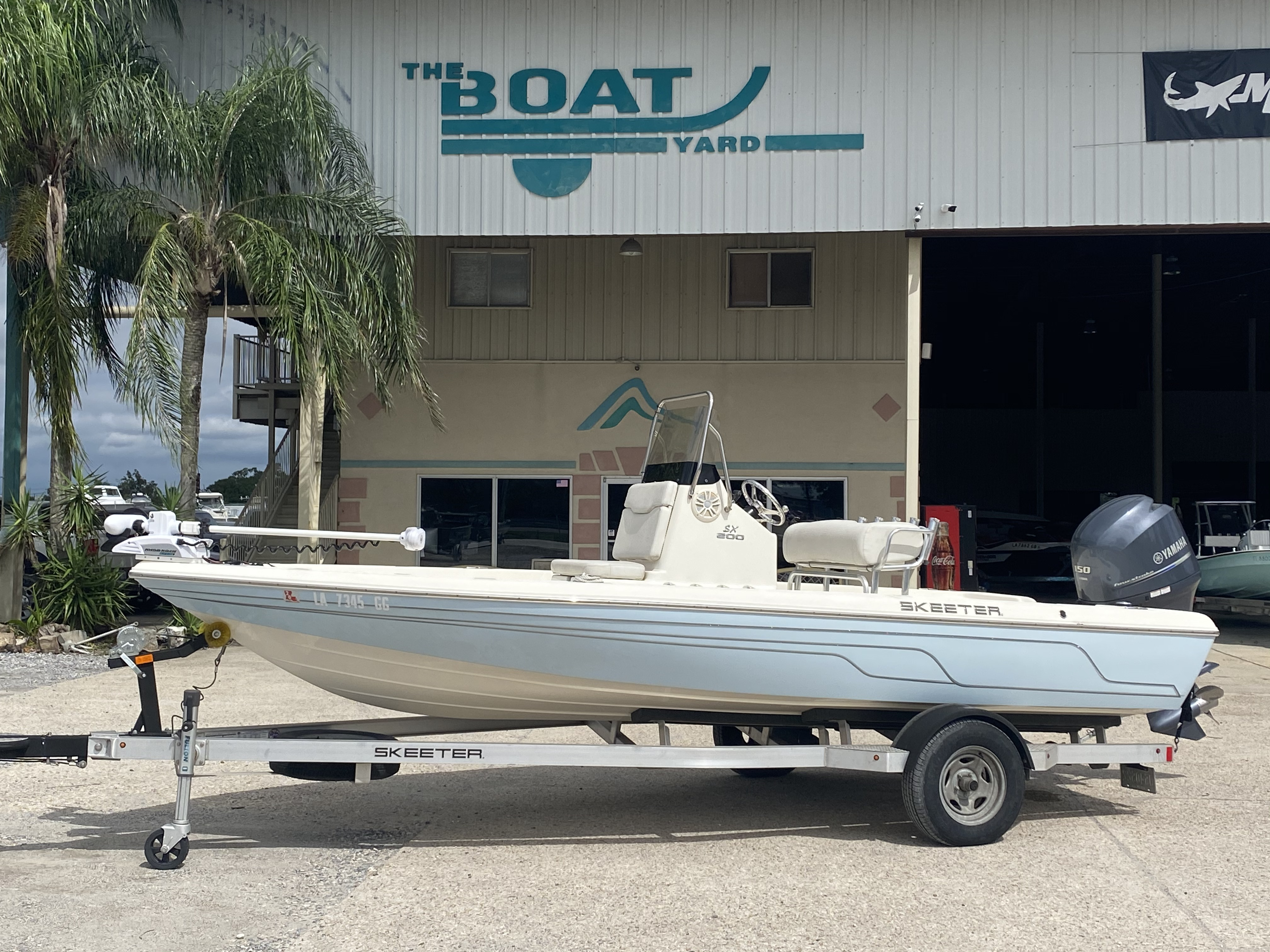 2016 Skeeter boat for sale, model of the boat is SX200 & Image # 1 of 19