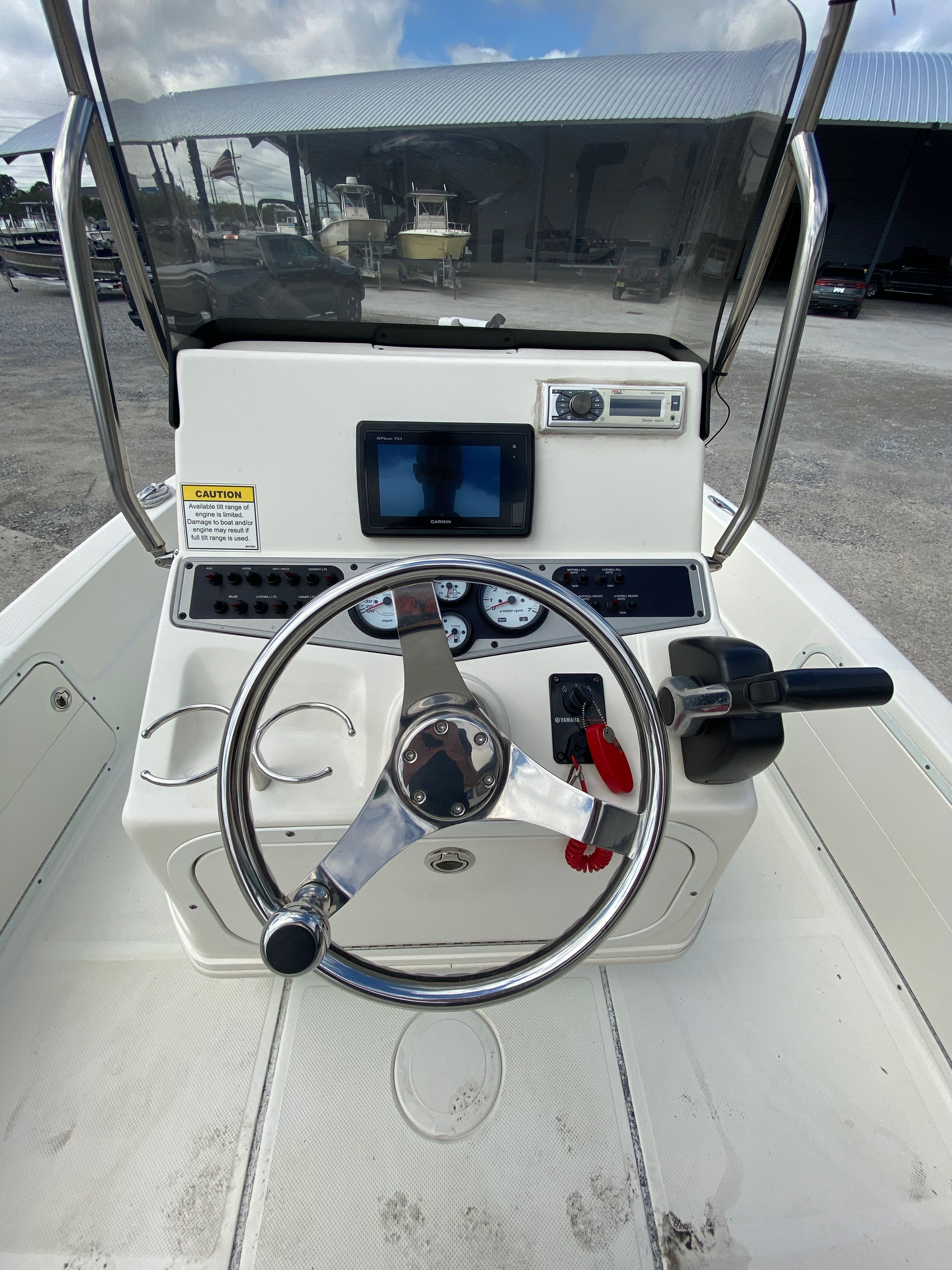 2016 Skeeter boat for sale, model of the boat is SX200 & Image # 3 of 19