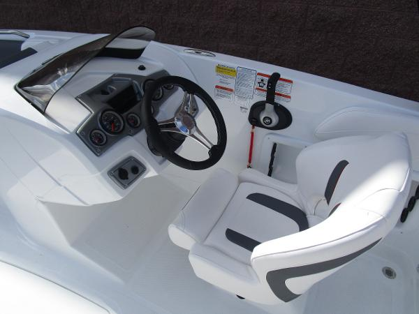 2021 Tahoe boat for sale, model of the boat is 2150 & Image # 12 of 24