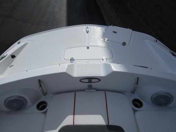 2021 Tahoe boat for sale, model of the boat is 2150 & Image # 19 of 24