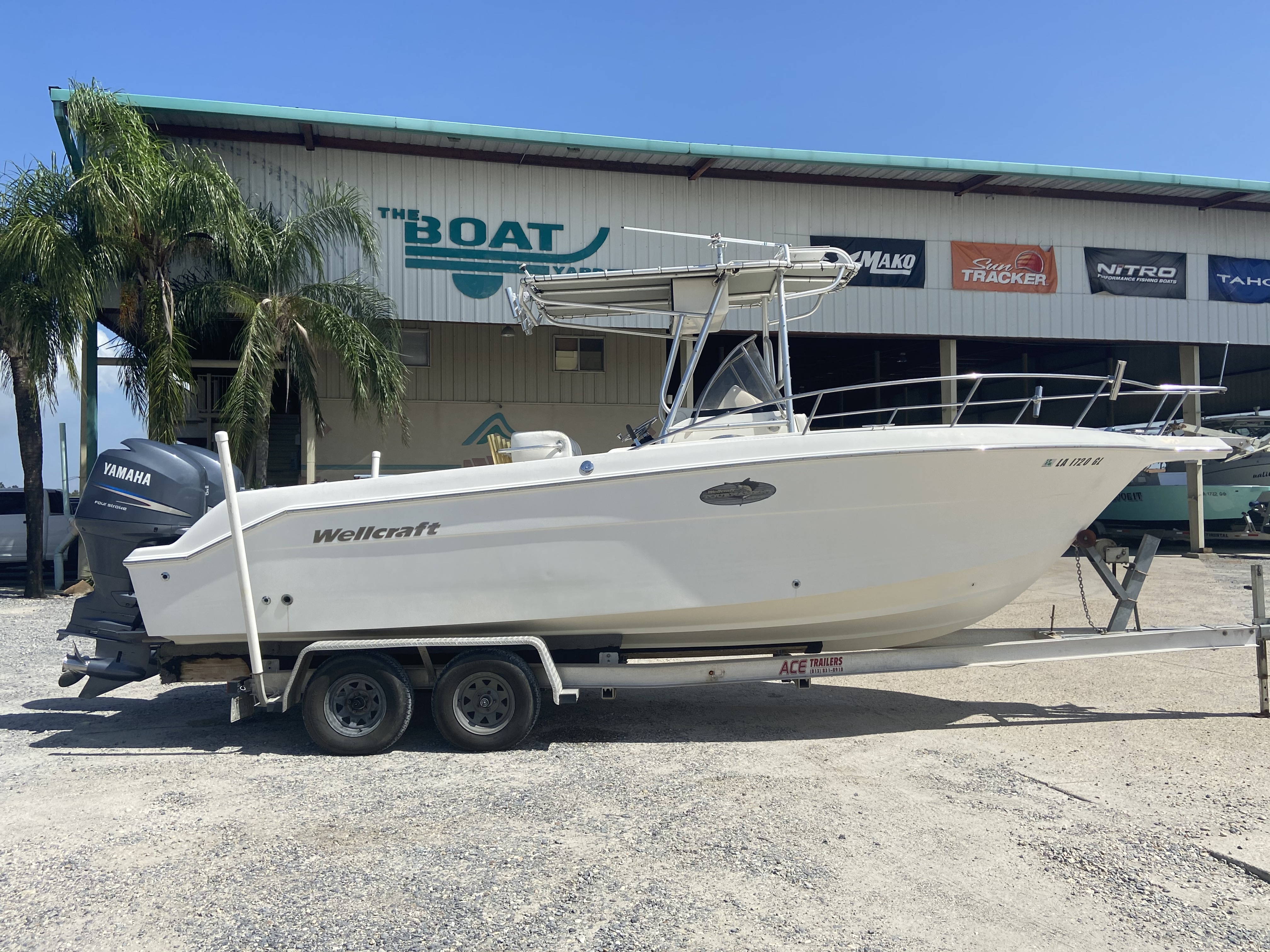 2002 Wellcraft boat for sale, model of the boat is 230 & Image # 1 of 14