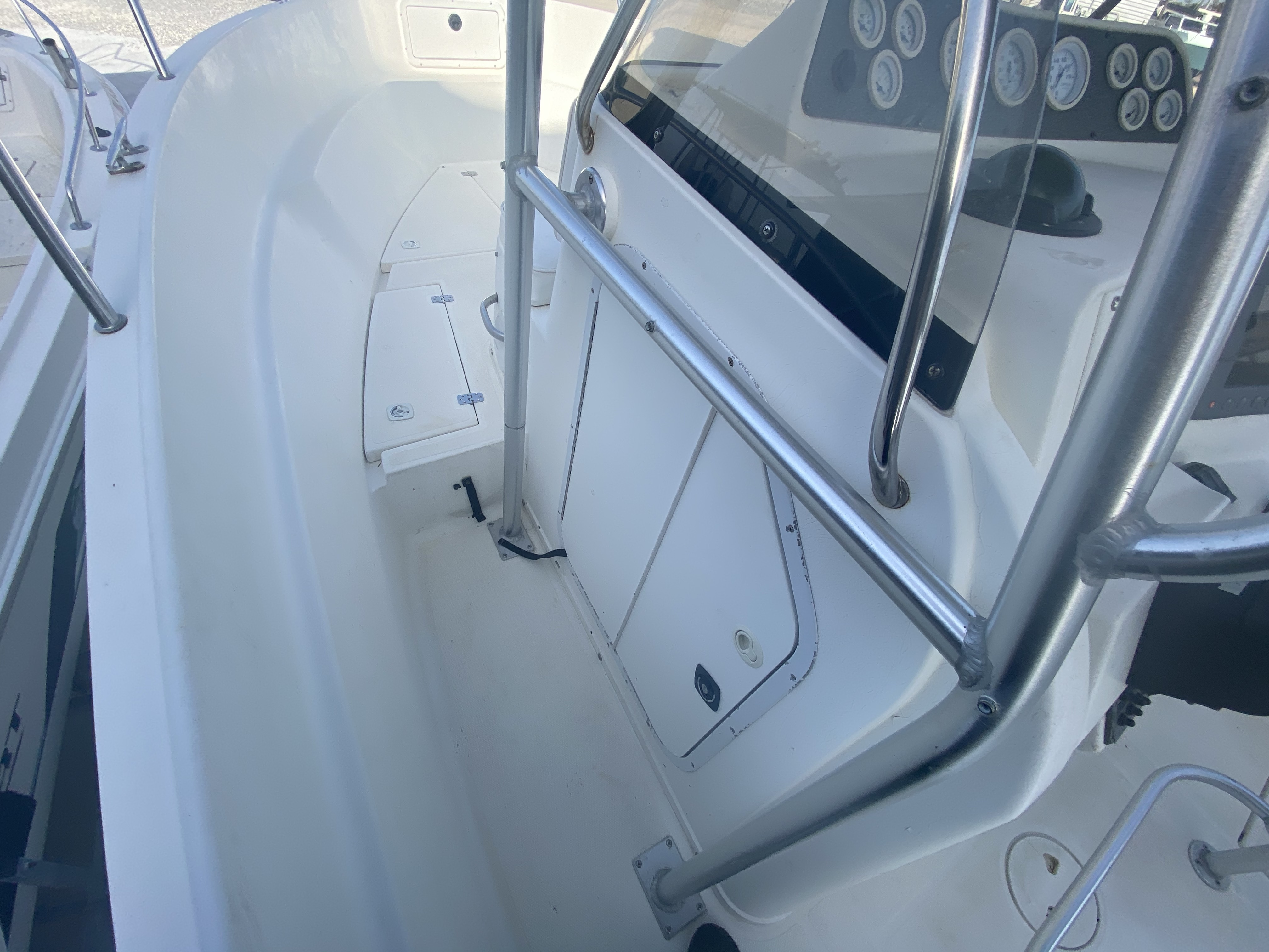 2002 Wellcraft boat for sale, model of the boat is 230 & Image # 9 of 14