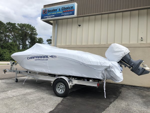 2021 Chaparral 19SSI Outboard Bowrider