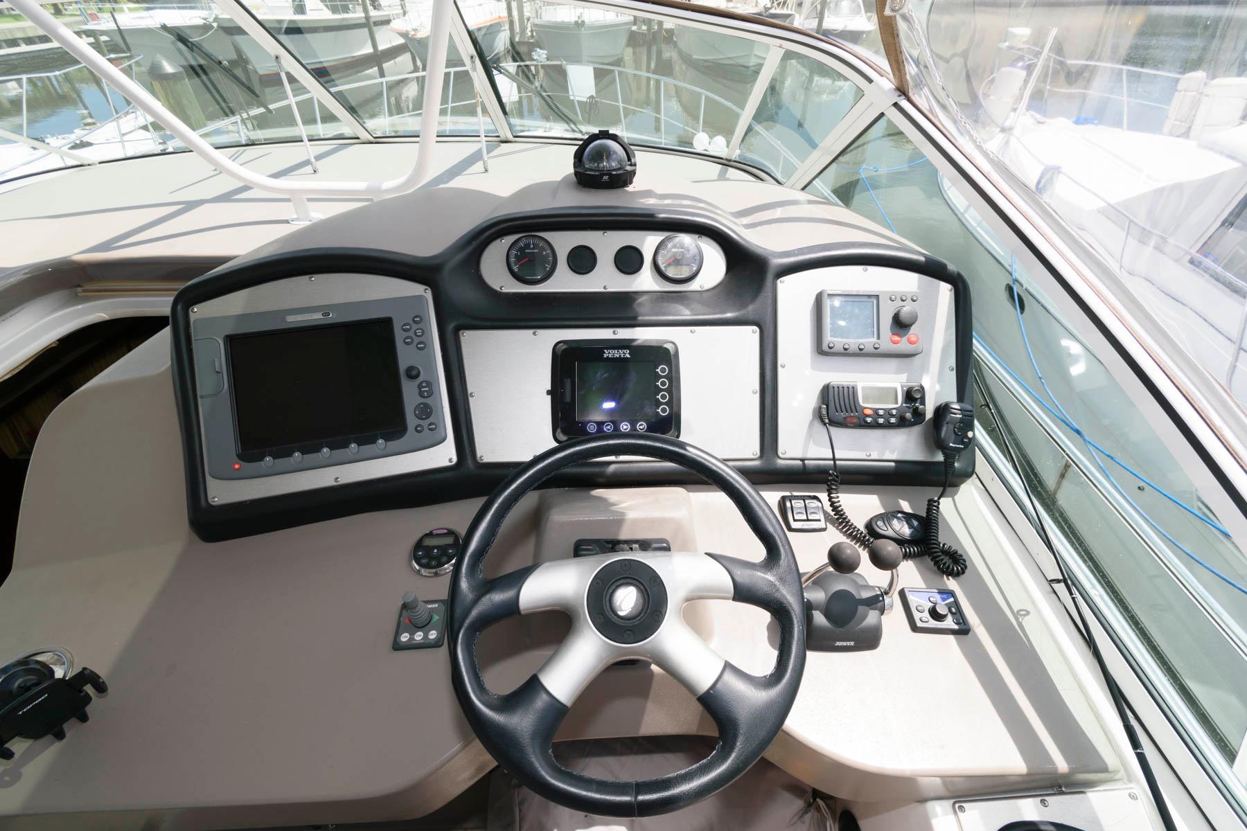 F 6263 KG Knot 10 Yacht Sales