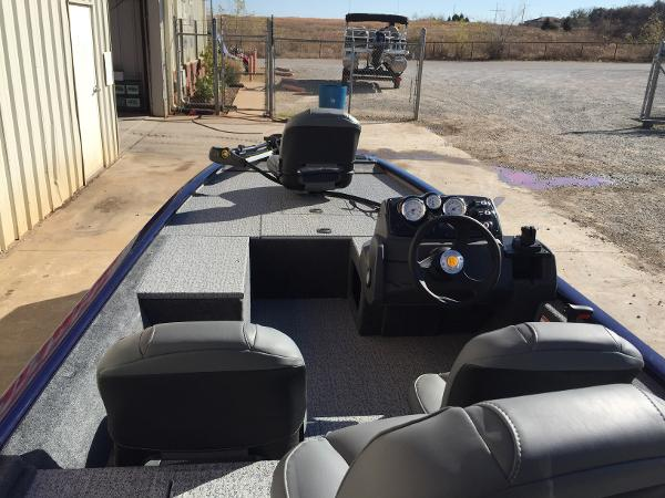 2021 Tracker Boats boat for sale, model of the boat is Pro 170 & Image # 8 of 50