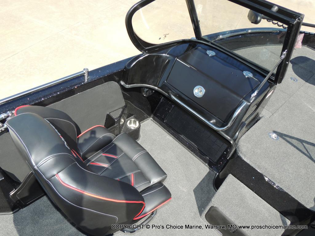 2019 Nitro boat for sale, model of the boat is ZV19 & Image # 17 of 50