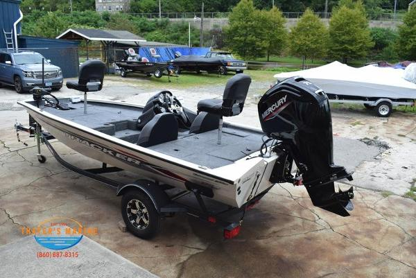 2021 Tracker Boats boat for sale, model of the boat is Pro Team 175 TXW® Tournament Ed. & Image # 12 of 42