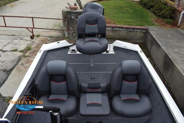 2021 Tracker Boats boat for sale, model of the boat is Pro Team 175 TXW® Tournament Ed. & Image # 22 of 42