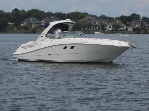 2008 Sea Ray 330 Sundancer
