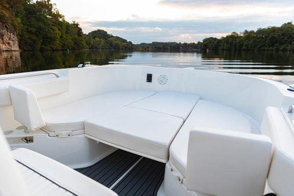 2022 Bayliner boat for sale, model of the boat is T22CC & Image # 14 of 27