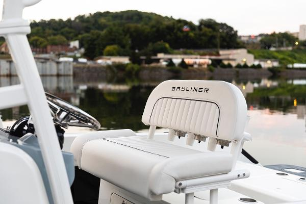 2022 Bayliner boat for sale, model of the boat is T22CC & Image # 18 of 27